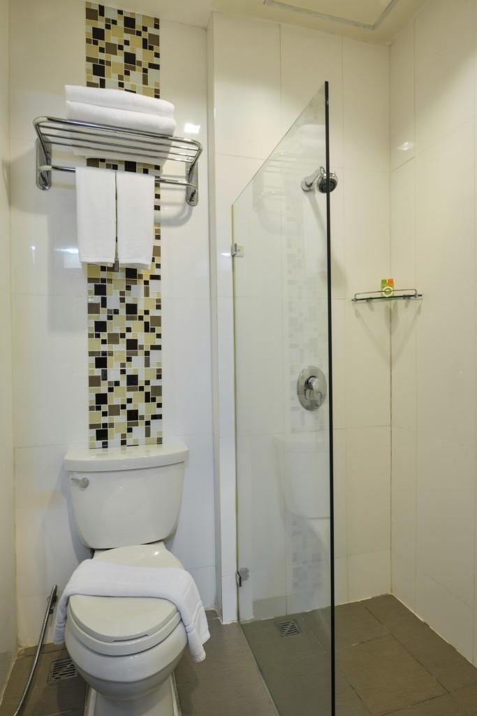 OUM_2115bathroom